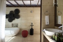 Praana Bathroom Guestroom 3